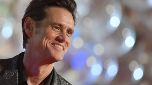 Jim Carrey egy riporternőnek azt mondta, hogy már csak ő van a bakancslistáján