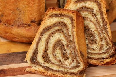 Foszlós tészta, gazdag diós töltelék: így készül a szlovén potica