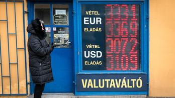 Nagy javulás: 335 forint környékén az euró