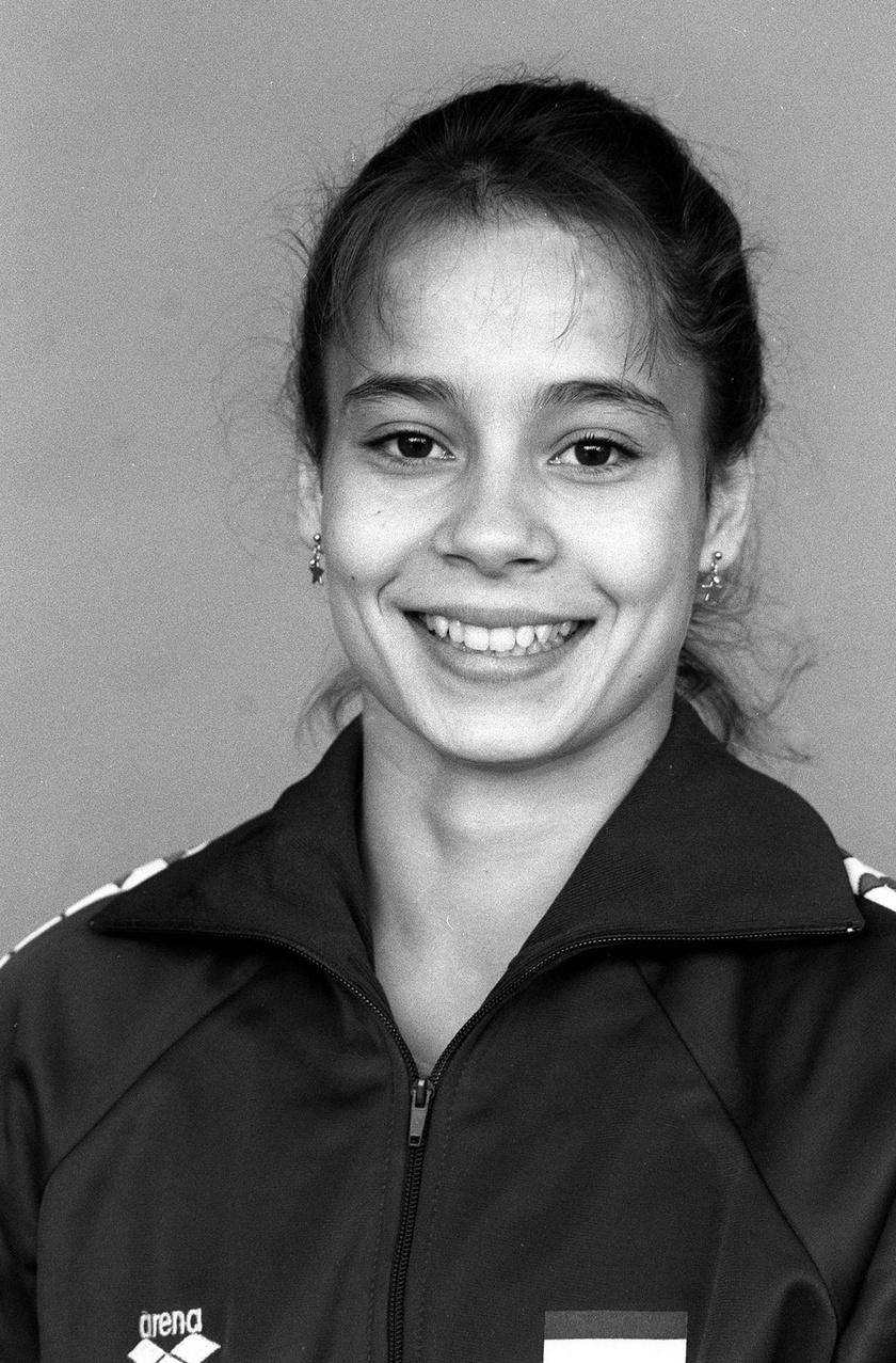 A szöuli nyári olimpiai játékokon résztvevő női tornász, Csisztu Zsuzsa portréja 1988-ban.