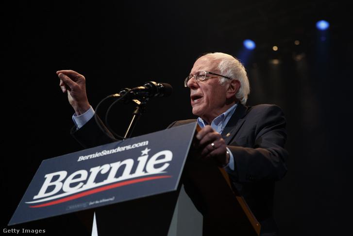 Bernie Sander a február 1-i kampányon Cedar Rapidsban