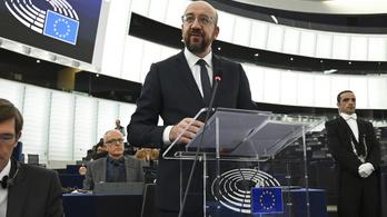 Négy EP-frakció követeli, hogy jogállamisági feltételekhez kössék az uniós pénzek kifizetését
