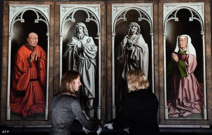 A restaurált, világhírű szárnyasoltár részlete a genti Szent Bávó-székesegyházban.