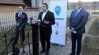 Palkovics: Jó lenne, ha egyben maradna az ózdi gyár