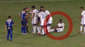Hogyan próbáld megúszni a pirosat, haladó szint: cseréld ki a vétkes játékost!
