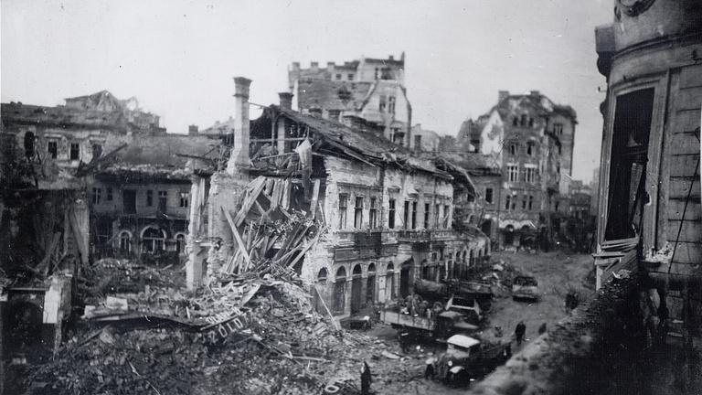 Eddig nem látott képek Budapest ostromáról