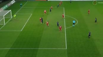 Véletlenül lőtt egy óriási gólt a Felcsút futballistája