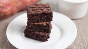 Édesburgonyás gluténmentes brownie: igazi fitfood