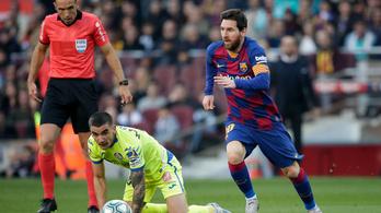 A riporter is csak nevetni tudott Messi letaglózó cselén
