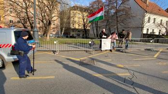 Kik jönnek el Orbán évértékelőjére? - Élőben az Indexen