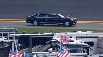 Versenypályára vitték Donald Trump elnöki limuzinját