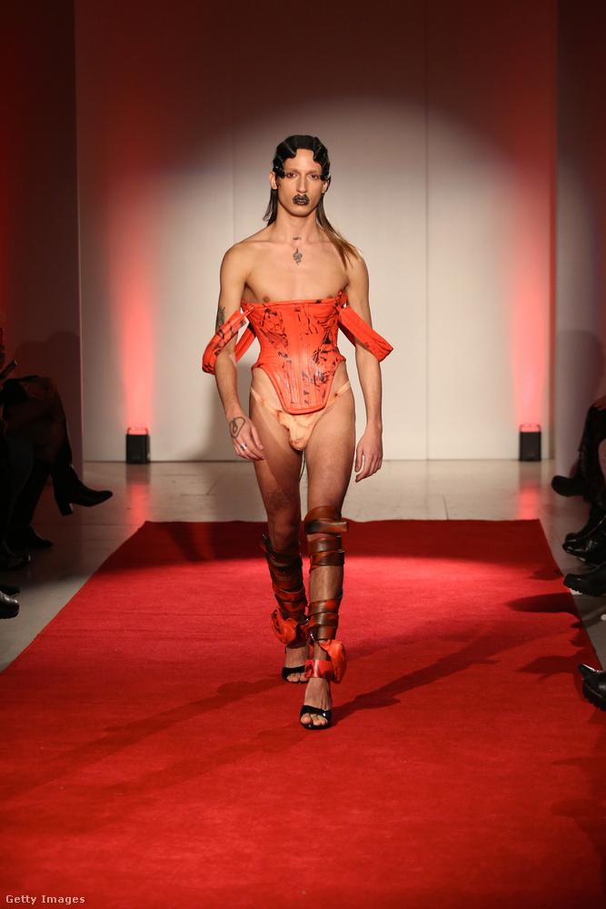 Londoban van egyébként külön férfidivathét, de ez most nem az, hanem az úgymond sima, azaz női divathét.