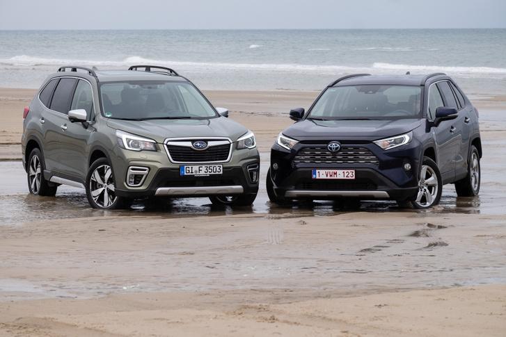Terepen, vontatni nyilván jobb a Subaru, de autónak jobban lehet használni a Toyotát
