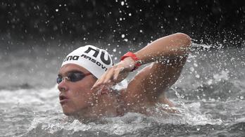 A 10 kilométeres úszás nem monoton, hanem öldöklő taktika