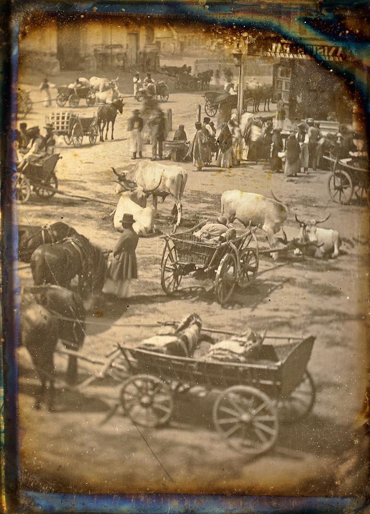 Utcai jelenet Magyarországon, 1845 körül, dagerrotípia, negyed lemez, 8,1×10,7 cm – eredeti nézet. A Franciai Fotográfiai Társaság (SFP) hozzájárult a dagerrotípia Indexen való közléséhez, minden további közléshez az SFP engedélye szükséges.