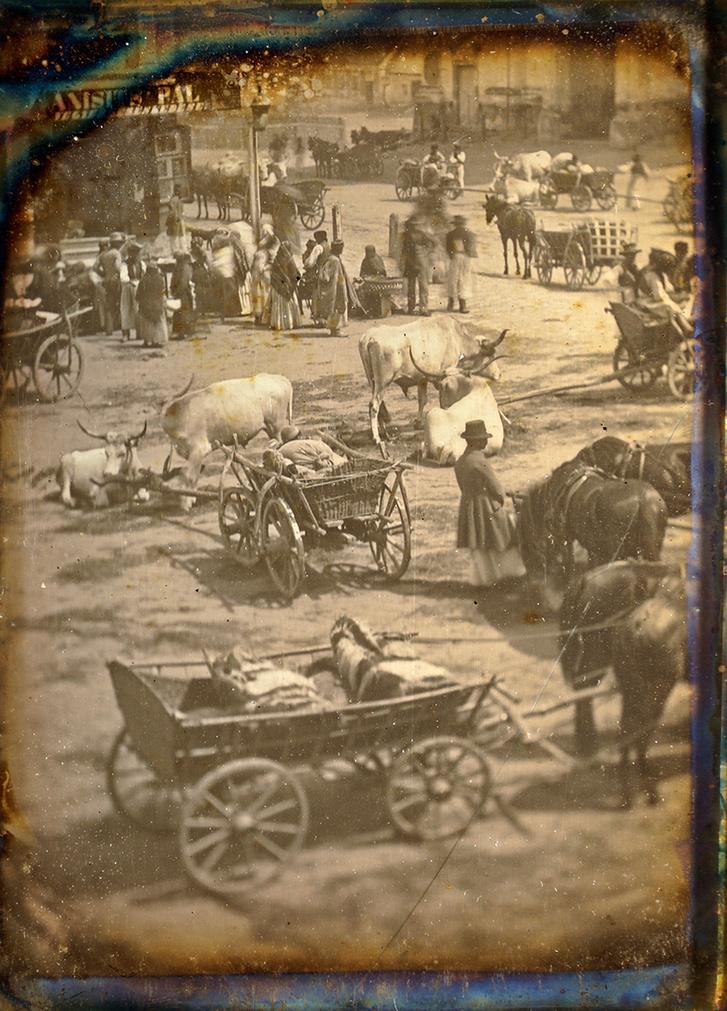Utcai jelenet Magyarországon, 1845 körül, dagerrotípia, negyed lemez, 8,1×10,7 cm – oldalhelyes nézet. A Franciai Fotográfiai Társaság (SFP) hozzájárult a dagerrotípia Indexen való közléséhez, minden további közléshez az SFP engedélye szükséges.