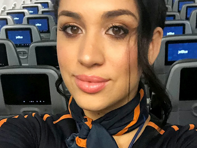 Újabb Meghan-hasonmás került elő, ő stewardess