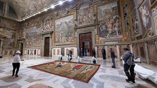 Évszázadok után térnek vissza a Sixtus-kápolnába Raffaello falikárpitjai