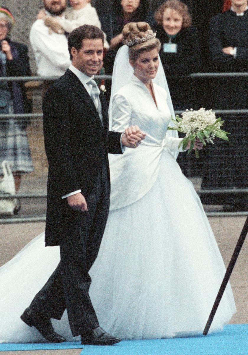 1993 októberében házasodtak össze.