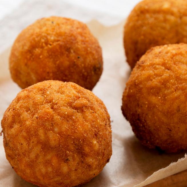 Rizskrokett, ahogy az olaszok szeretik - Kétféle sajt teszi izgalmassá a tölteléket