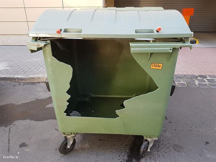 zöld műanyag 2