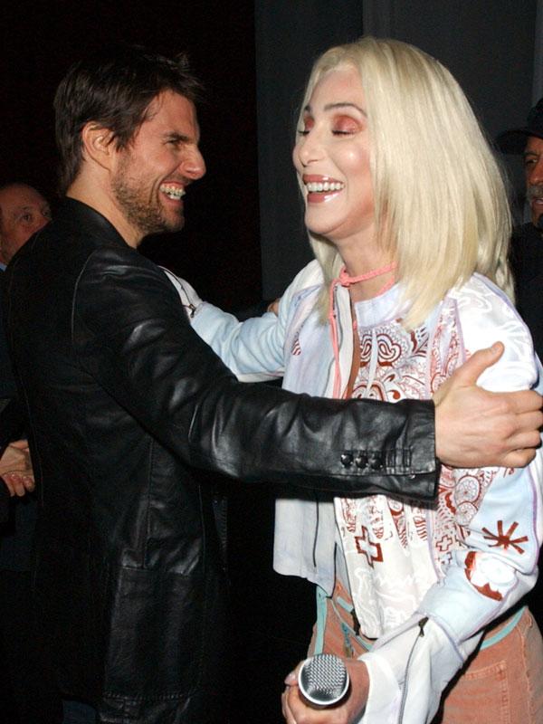 Cher és Tom Cruise 1987-ben jártak egy rövid ideig. Mit nyilatkozott később az énekesnő a színészről?