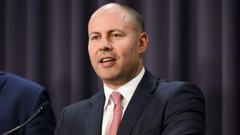 Bukhatja politikai karrierjét magyar származása miatt az ausztrál pénzügyminiszter