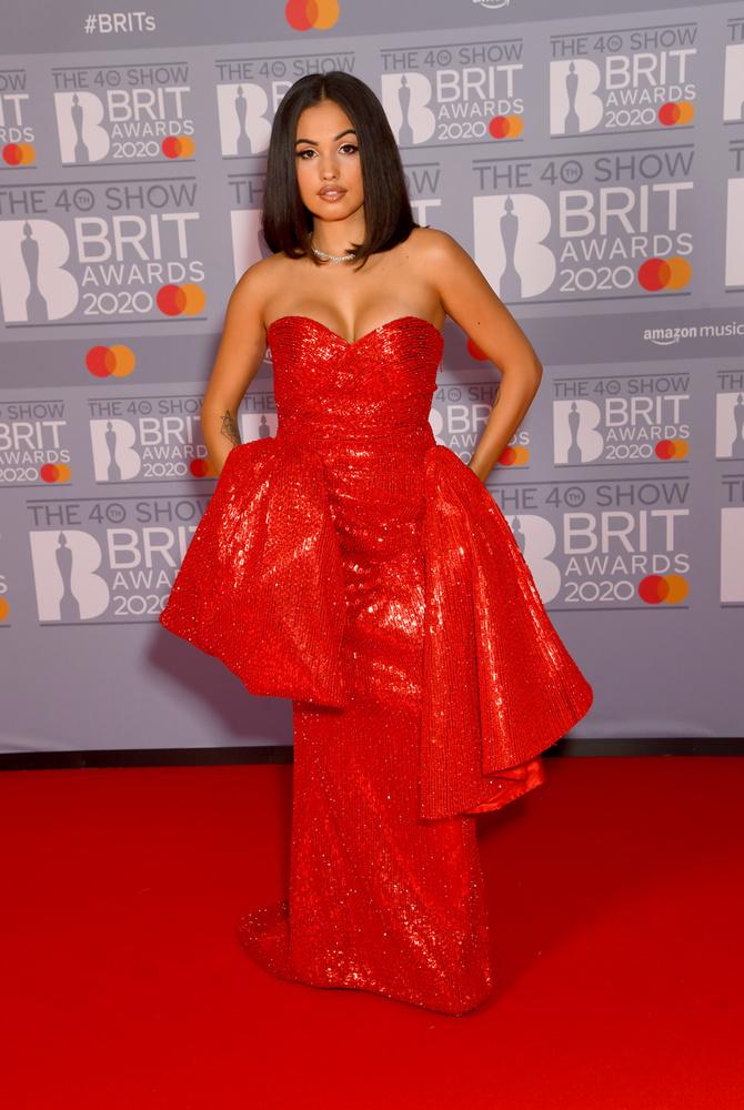 Az idei Szigetre is ellátogató Mabel a legjobb brit női előadó kategóriában nyert