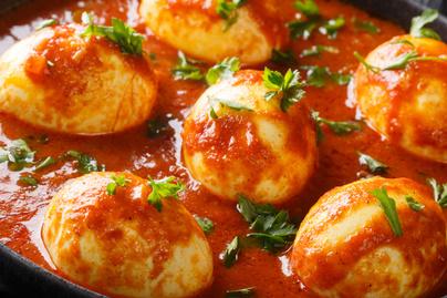 Isteni zöldséges, tojásos curry: laktat és büntetlenül eheted