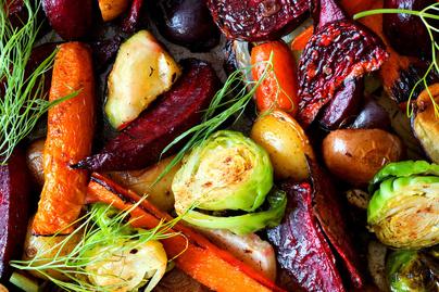 Pirult, ízes téli zöldségek sütőben sütve: isteni krémes a belsejük