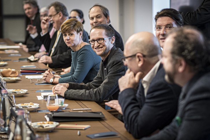 A Miniszterelnöki Sajtóiroda által közreadott képen Orbán Viktor miniszterelnök meghívására alakuló ülését tartja a Nemzeti Kulturális Tanács Budapesten a Karmelita kolostorban 2020. február 19-én.