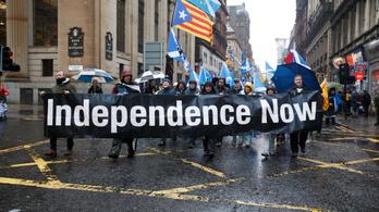 A brit kormány előbb tesz engedményeket, mint hogy szabadon engedje Skóciát