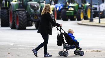 Minél képzettebb a nő, annál kevesebb ideig maradna otthon a gyerekkel