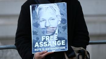 A WikiLeaks alapítója megvesztegetéssel vádolja Trumpot