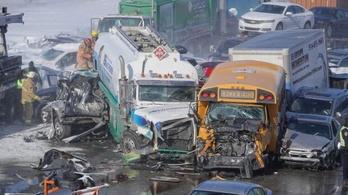 200 autó karambolozott Montréalnál, ketten meghaltak