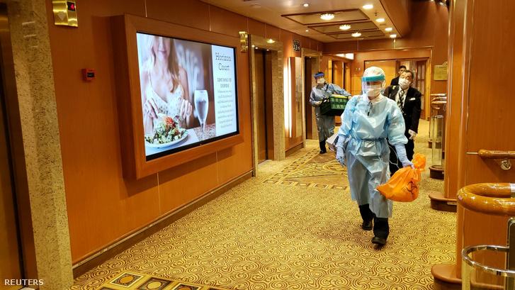A Diamond Princess hatodik emeletének folyosója 2020. február 4-én.