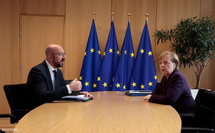 Angela Merkel (jobbra) és Charles Michel találkozója Brüsszelben, az EU találkozón 2020. február 20-án