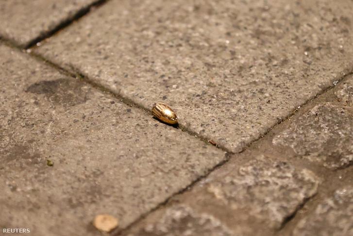 Egy a lövöldözés helyén talált lövedék
