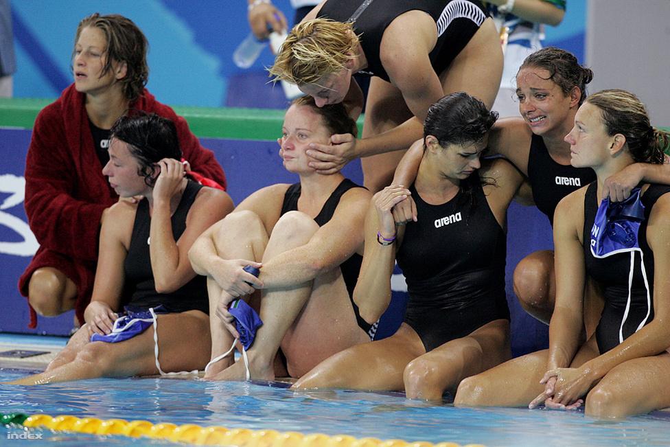 2008. Peking. A magyar csapat az Aausztrália elleni női vízilabda bronzmérkőzésen. A magyar csapat 9-9 után büntetőkkel kapott ki, és csúszott le az éremről.