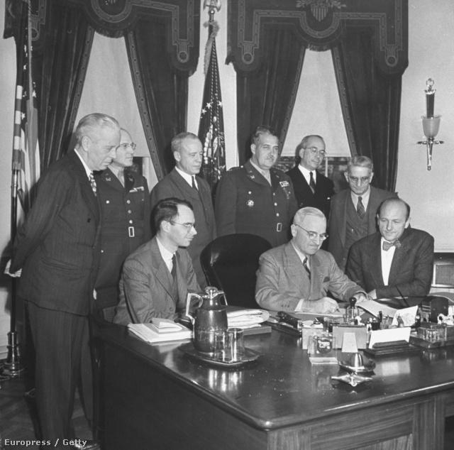Harry S. Truman 1947-ben