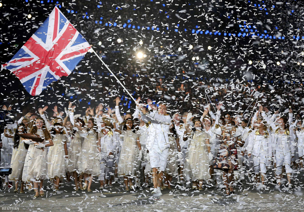 Végül a britek.