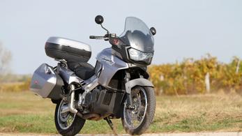 Használt: Aprilia ETV1000 Caponord – 2002.