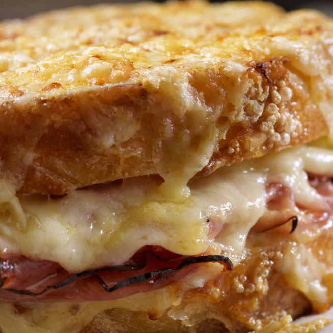 A franciák legkedveltebb kávéházi szendvicse: így készül a Croque Monsieur