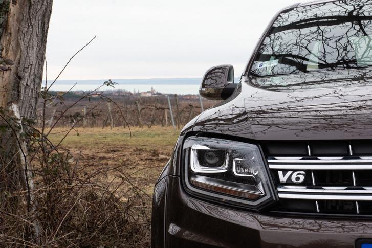 A V6 mindent visz
