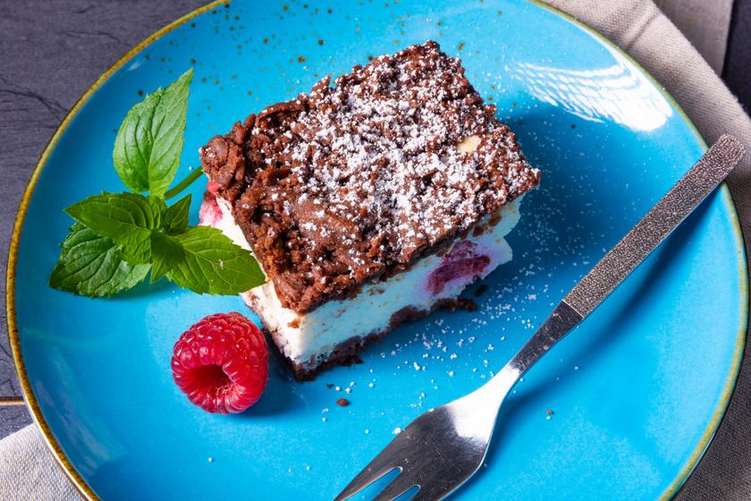 Reszelt túrós pite omlós, kakaós tésztából: a töltelék mascarponéval még finomabb