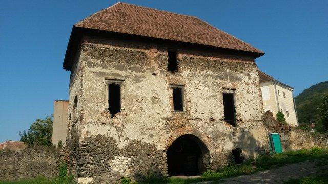 Szilágysomlyó várkastélyának romjai