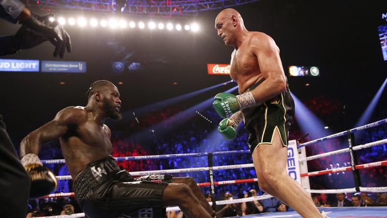 Fury szétverte Wildert, TKO-val nyerte a veretlenek csatáját