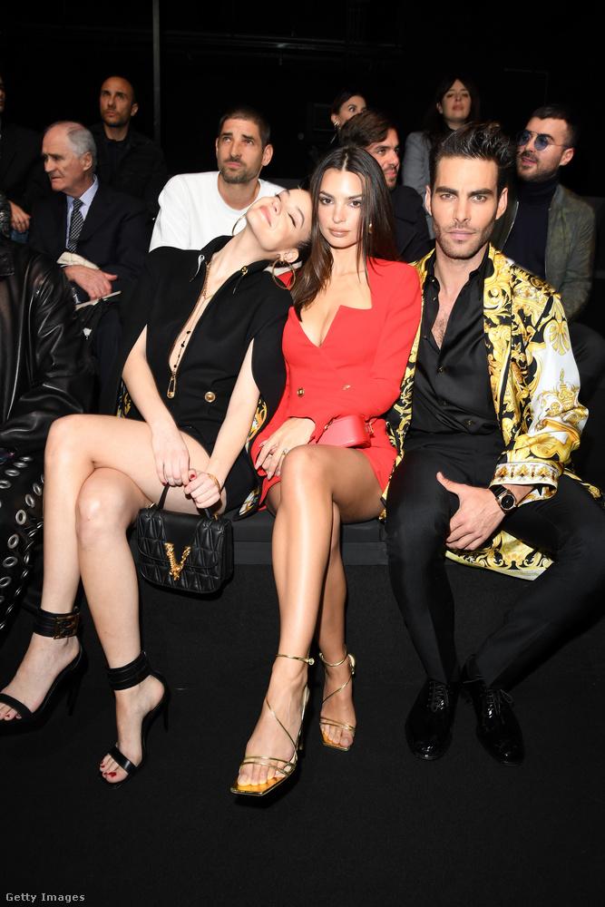 Érdemes egy szót ejtenünk a képen látható férfiról, a spanyol Jon Kortajarenáról, aki szintén modell és például már Fergie és Madonna videoklipjében is szerepelt