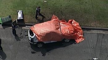 Szörnyeteggé vált az ausztrál apa, élve égtek az autóban a gyermekei és a neje