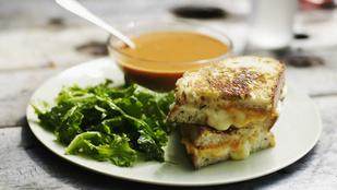 Gyors vacsora téli hangulatban: az eredeti grilled cheese szendvics egy kis mézeskalácsfűszerrel
